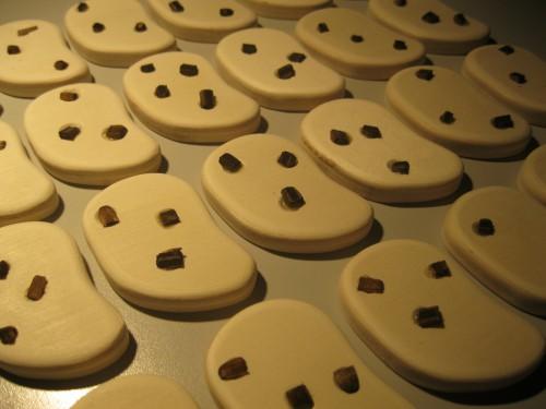 cut-wooden-cookies (64)